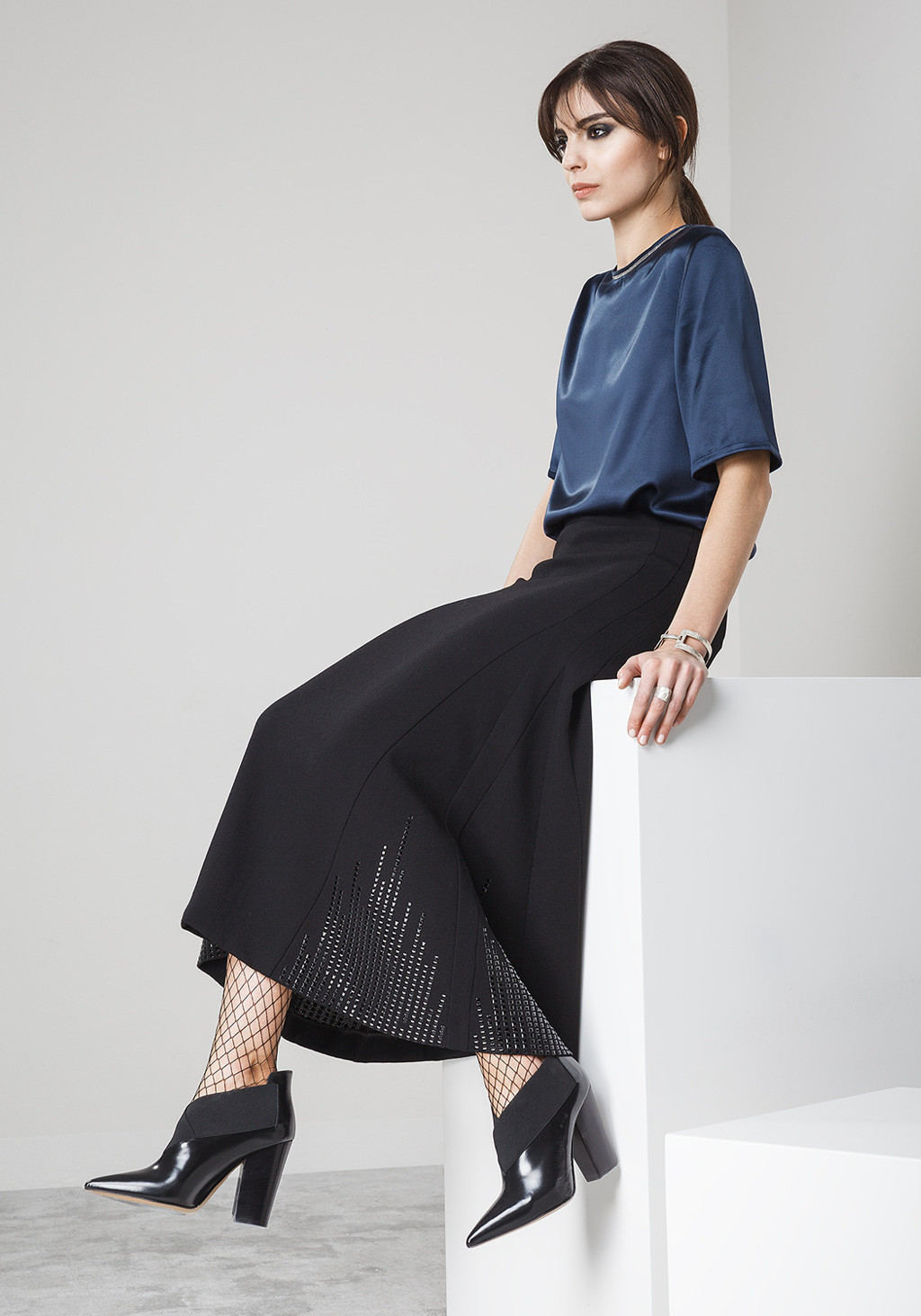 Silk tshirt with metallic details - Long double crepe skirt with bottom brillant studs
