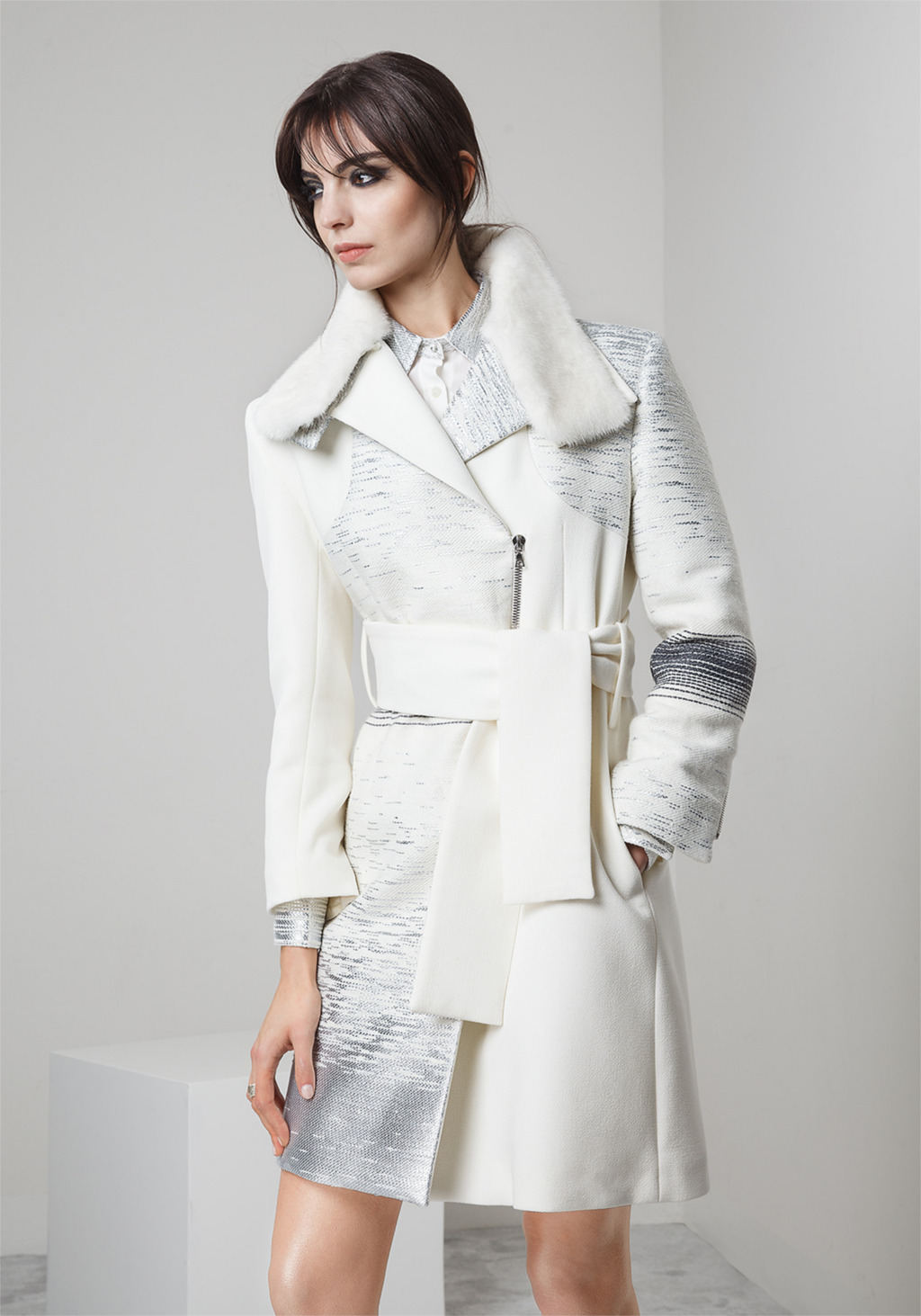 White wool crepe jacquard coat with mink collar