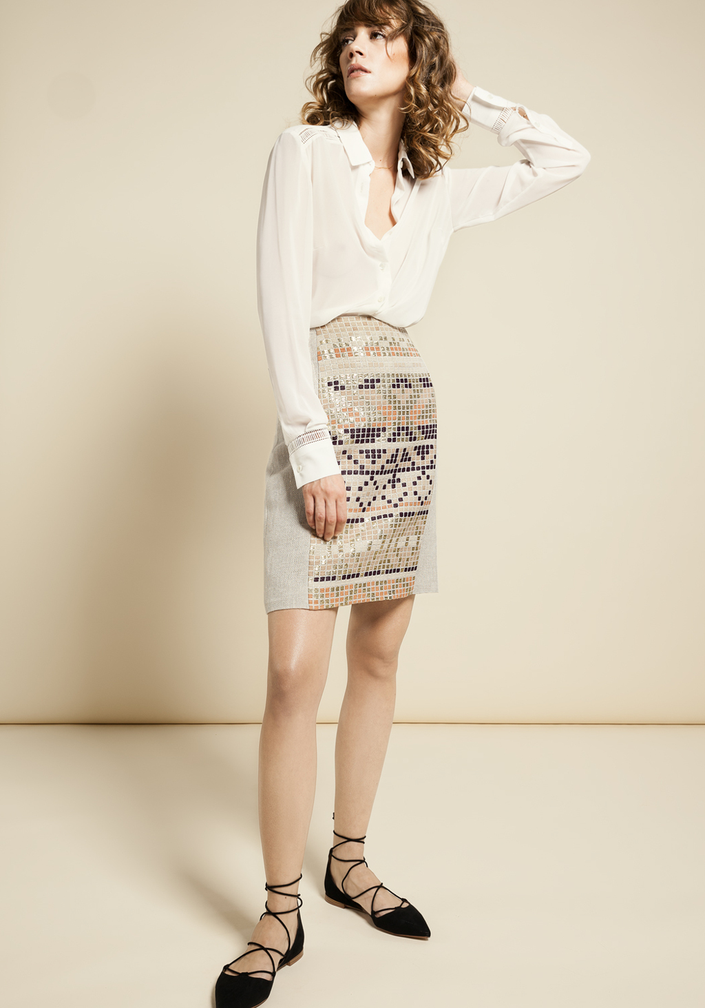 Ethnic motif skirt - White silk shirt with timmings