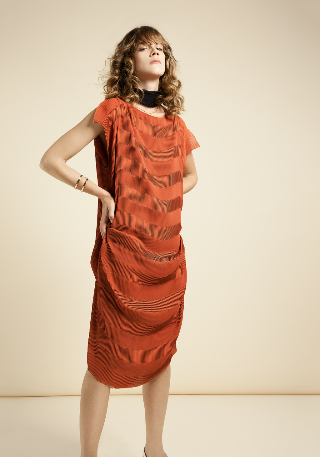 Terracotta dress plited